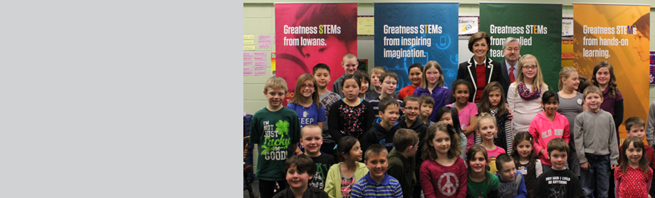Lt. Governor Reynolds and students