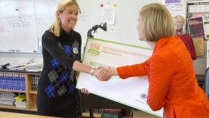 Teacher Kacia Cain, recieves South Central STEM regions Education award for Inspired Teaching